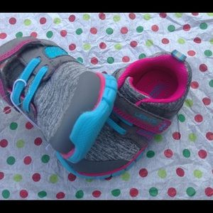 Surprize sneakers size 5T